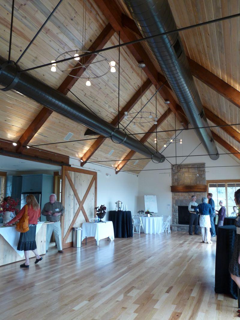 Indoor-oregon-farm-wedding