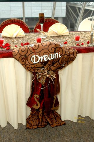 red and gold and ivory wedding color scheme
