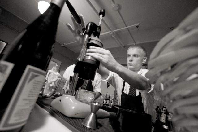 Wedding-bartending-alcohol-tips