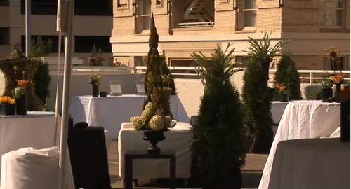 Embassy-suites-portland-rooftop-wedding