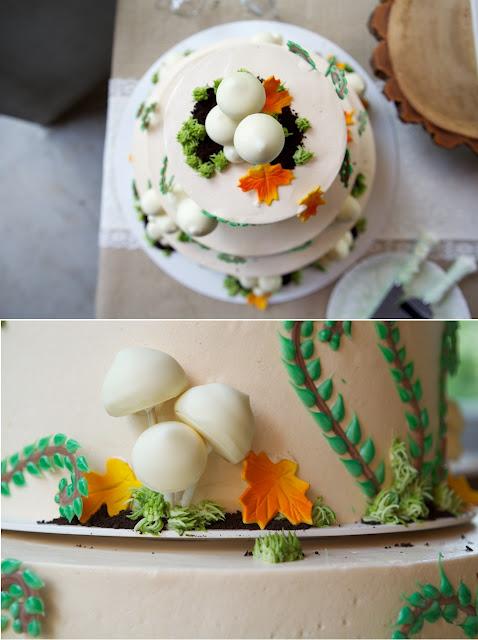 Three-tier-wedding-cake-2