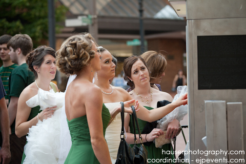 Wedding-on-MAX-light-rail-2