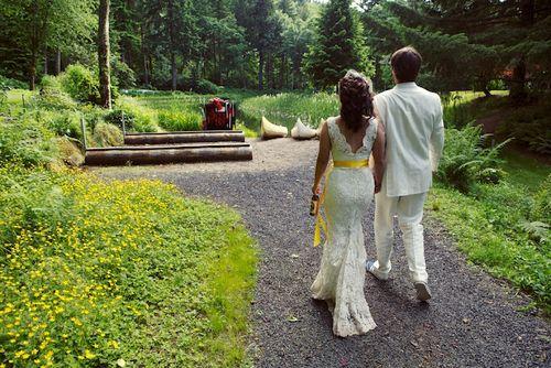 Oregon-garden-wedding-gowns