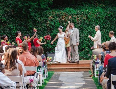 Outdoor-Ceremony-laurelhurst